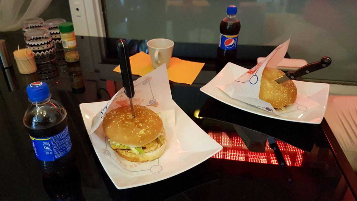 Salama-Pizzan-burgerit